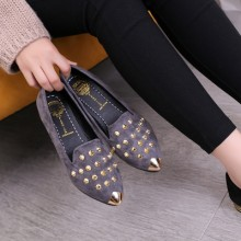 [PRE-ORDER] Women Pointed Head Rivet Casual Flats