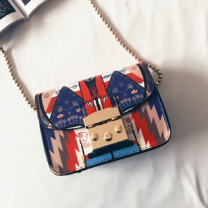 [PRE-ORDER] Women Japanese Cute Graphic Chain Design  Sling Bag