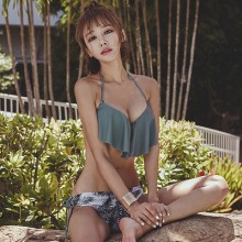 [PRE-ORDER] Women Bikini Two-piece Gathered Cover Belly Flounced Swimsuit