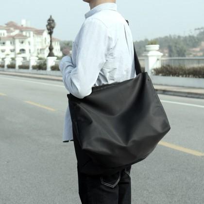 Men's Durable Black Travel Bag Large Capacity Outdoor Trend Messenger Sling Bag