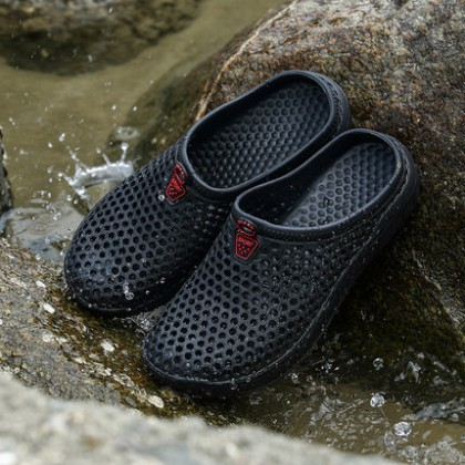 Men's Summer Sandals Hole Beach Shoes Plastic Warm Couple Slippers