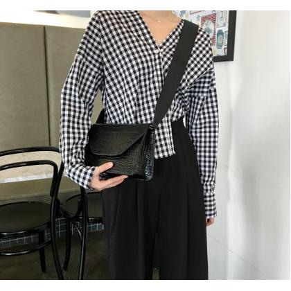 Women Korean Fashion Crocodile Pattern Leather Messenger Bag