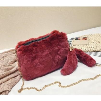 Women Korean  Fashion Trend  Wild Style Plush Messenger Chain Bag