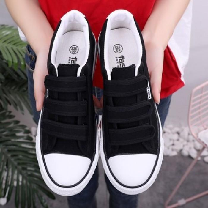 45a521eefce9 Men s Korean Wild Trend Velcro style Old School Shoes Unisex