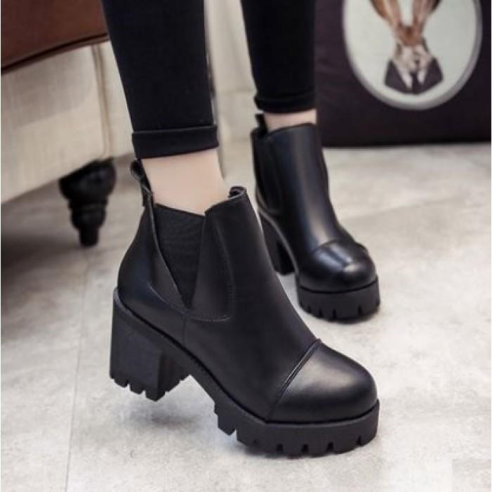 8fb8b26595b Women Korean Trend Velvet Thick Heel Martin Boots