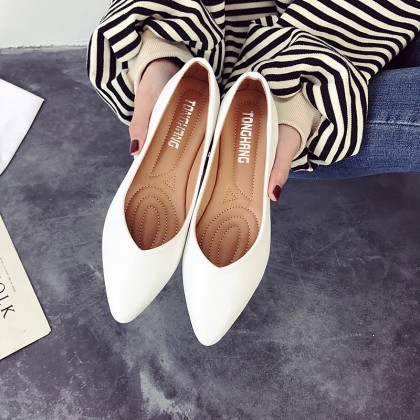 [READY STOCK] Women Pointed Flat Shoes Simple Casual Fashion Daily Wear Ladies Plus Size Shoes