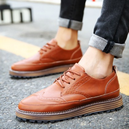 [READY STOCK] Men Retro England Carved Bullock Casual Shoes