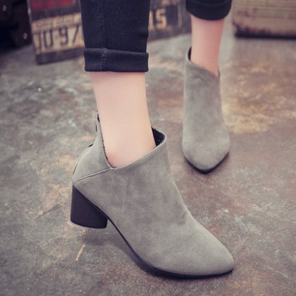 [READY STOCK] Pointed Short Martin Boots High-Heels