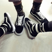 [READY STOCK] Men Women Korean Couple Fashion Swag Canvas Shoes