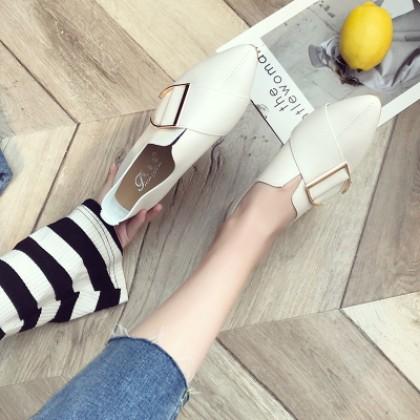Women Korean Trend  Wild Style Pointed Retro Leather Flat Shoes