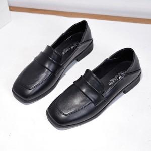 Women Korean Fashion  Square Head Leather Wild Peas Shoes
