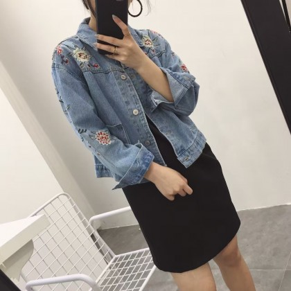 Women Korean Fashion Retro Flower Embroidery Long Sleeved Denim Jacket