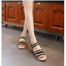 Women Summer Fashion Flat and Comfortable Non Slip Beach Sandals