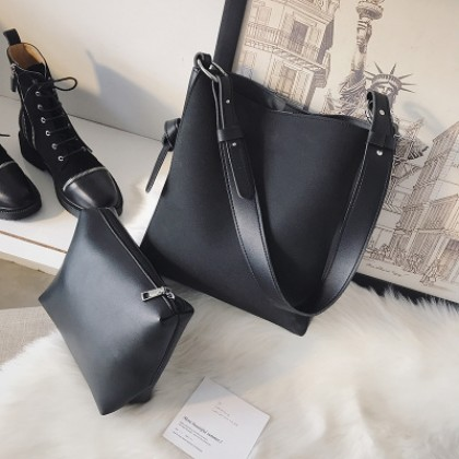 Women Korean Fashion Large Capacity Simple Soft Leather Shoulder Bag