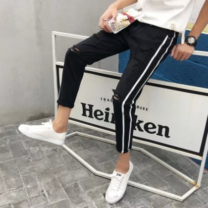 Men New Fashion Summer Wild Style Ripped Thin Denim Pants
