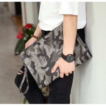 Men Fashion Harajuku Style Camouflage Envelope Handbag