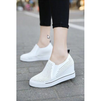 Women  Fashion Thick Heel Breathable Hollow Casual and Sporty Shoes