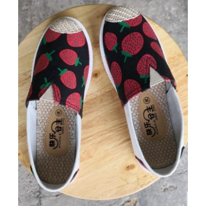 Women Korean Fashion Casual Flat Strawberry Canvas Shoes