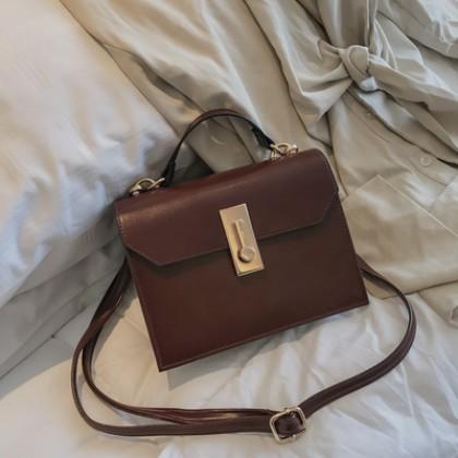 Women Korean Fashion Retro Wild Leather Messenger Bag