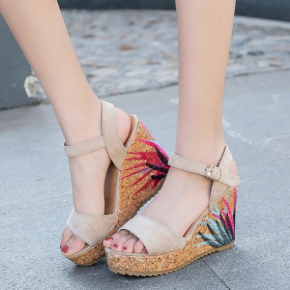 Women Korean Fashion  Anti Skid Sponge Cake Wedge Heels Sandals