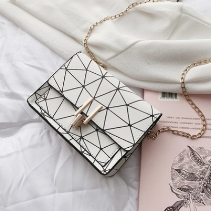 Women Korean Fashion Small Square Wild Geometric Chain Bag