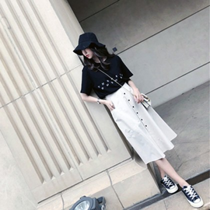 Women Korean Fashion 2 Piece White Long Skirt and Black Loose Top