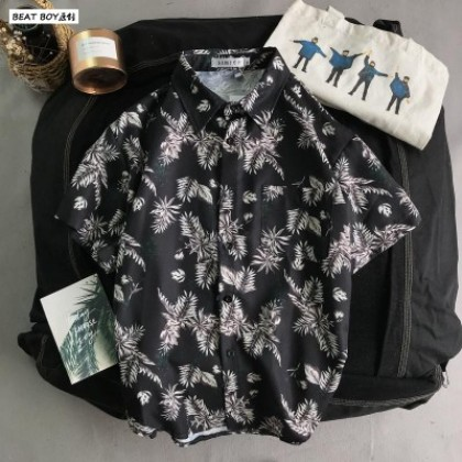 Men Summer Harajuku Style Beach Short Sleeved Loose Hawaiian Shirt