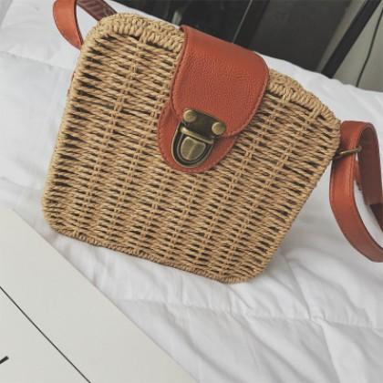 Women Korean Fashion Rattan Woven Buckle Beach Sling Bag