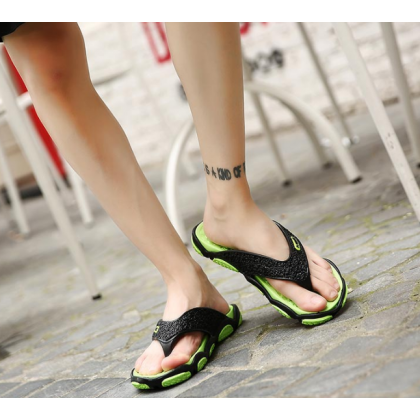 Men Korean Fashion Outdoor Wearing FlipFlops Non Slip Clip Sandals