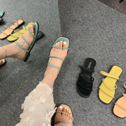 Women Casual Simple Beach Sandals and Slippers
