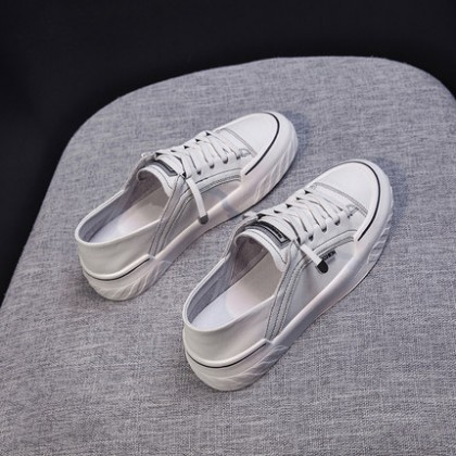 Women Soft Bottom Casual Lace-up Round Head Shoes