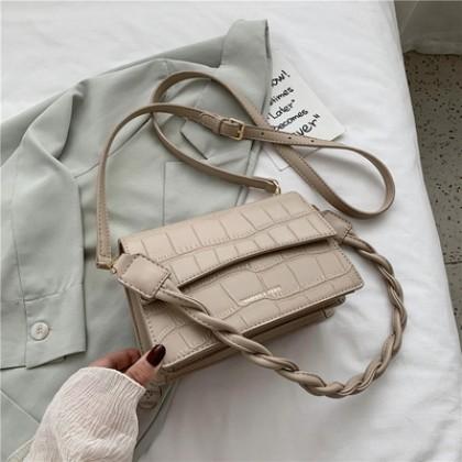 Women New Trendy One-shoulder Armpit Messenger Bag
