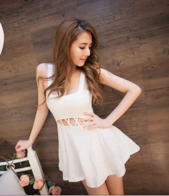 [READY STOCK] White Sexy Slim Elastic Dress