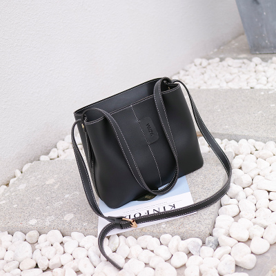 Women 2017 Autumn and Winter New Wave of Fashion Large Bucket Bag