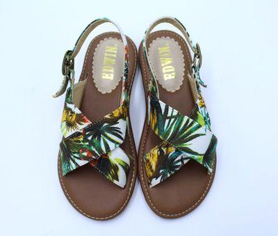 Women Japanese Flat Simple Cross Straps Sandals