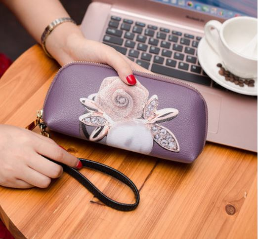 Women Purse Wallet Clutch Bag with Trendy Designs