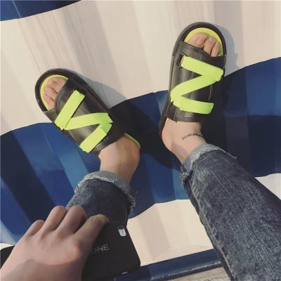 Men's Strap Details Wild Fashion Summer Beach Slippers Flip Flops