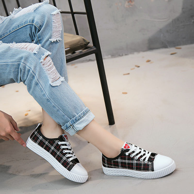 Women Plaid Design Chic Canvas Shoes Casual Ladies Plus Size Sneakers