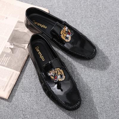 Men's Black Tiger Design Casual Easy Wear Bean Shoes Business Shoes