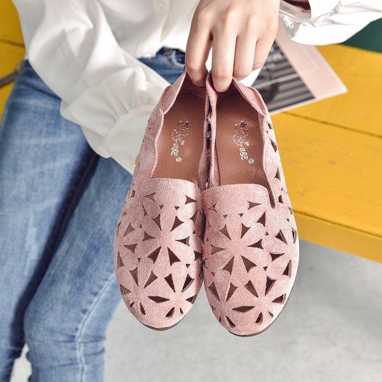 Women Suede Breathable Floral Carving Peas Shoes Casual Plus Size Flat Shoes