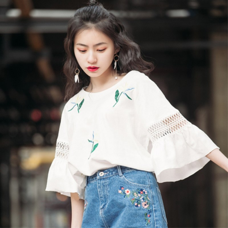 Women White Loose Simple Blouse Trumpet Sleeve Summer Fashion Plus Size Tops
