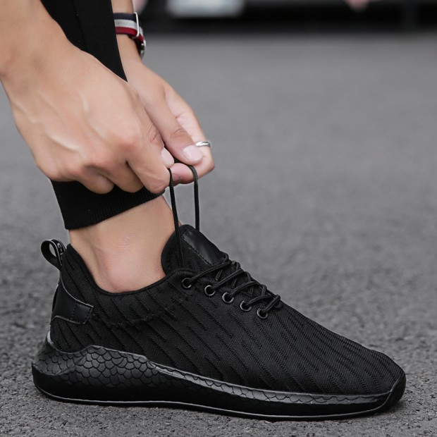 Men\'s Sports Leisure Mesh Shoes New Trend Handsome Statement Lace Up Shoes