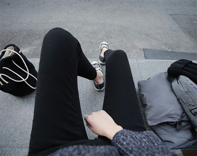 Women\'s Middle Waist Leggings Thin Silk Feet Pencil Pants