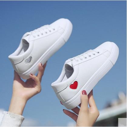 Women Korean Fashion Heart Design Cross Strap Round Head Sneakers