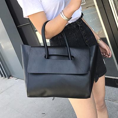 Women Retro Fashion  Large  Capacity Bat Wings Style Shoulder Bag