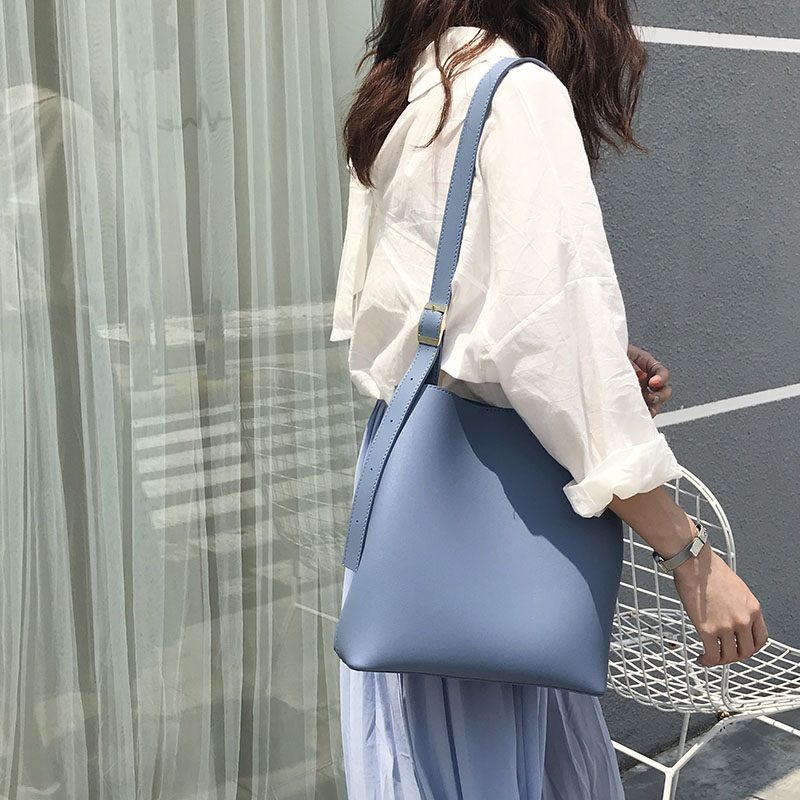 Women Korean Fashion Chic Simple  Wild Color Large Capacity Bucket Bag