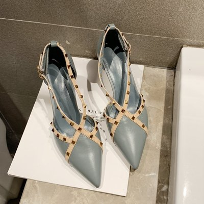 Women Casual Fashion Rivets High-heeled Pointed Shoes