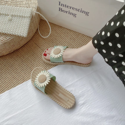 Women Daisy Beach Sandals and Slippers